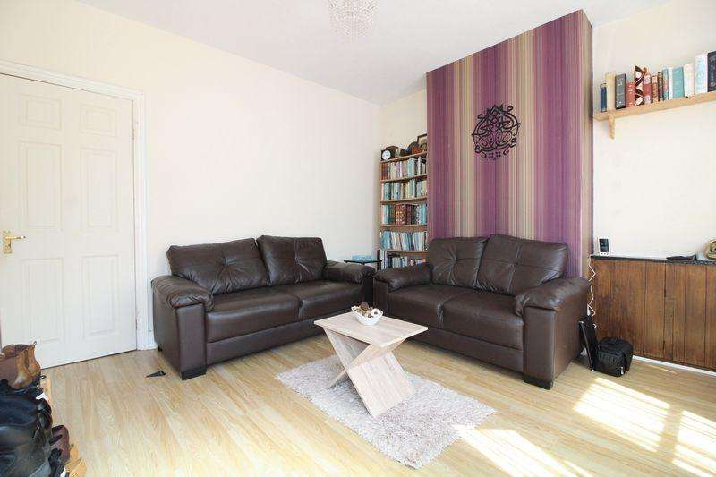 3 Bedrooms Terraced House for sale in Traditional Home off Biscot Road, Spencer Road