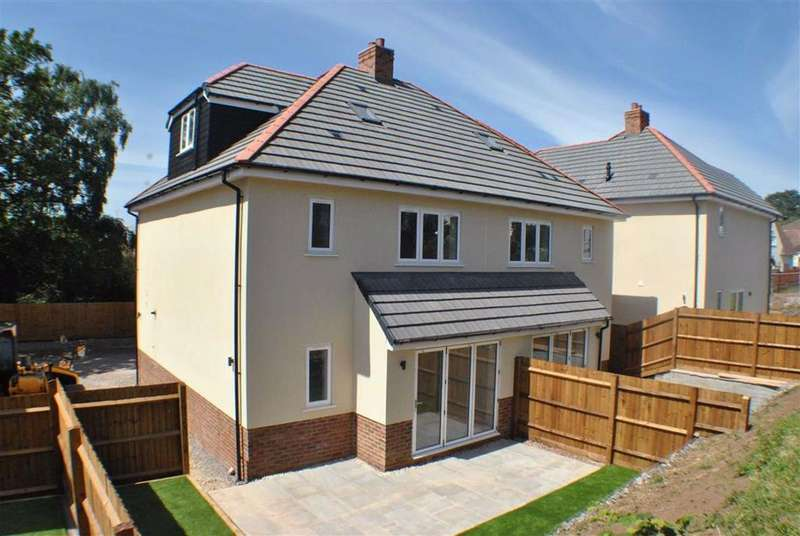 4 Bedrooms Semi Detached House for sale in Cleeve Hill, Downend, Bristol