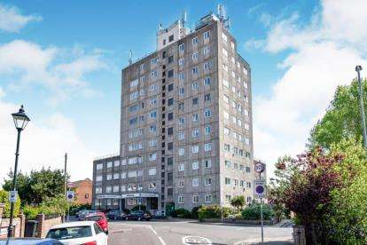 3 Bedrooms Flat for sale in Clarendon Road, Southsea, Hampshire