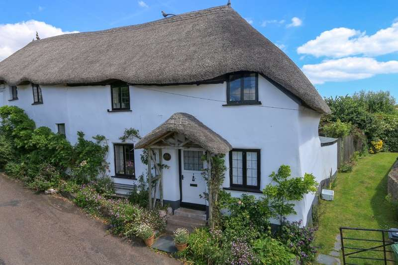 2 Bedrooms Cottage House for sale in Holcombe Village, Holcombe