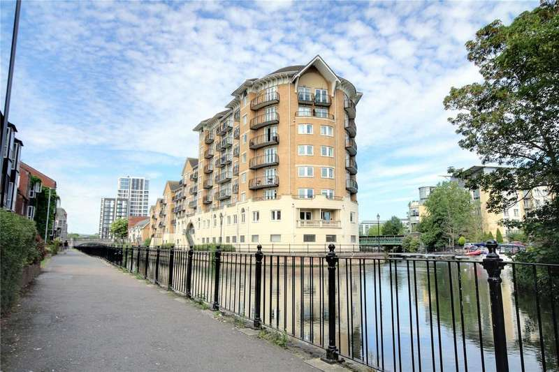 2 Bedrooms Apartment Flat for sale in Blakes Quay, Gas Works Road, Reading, Berkshire, RG1