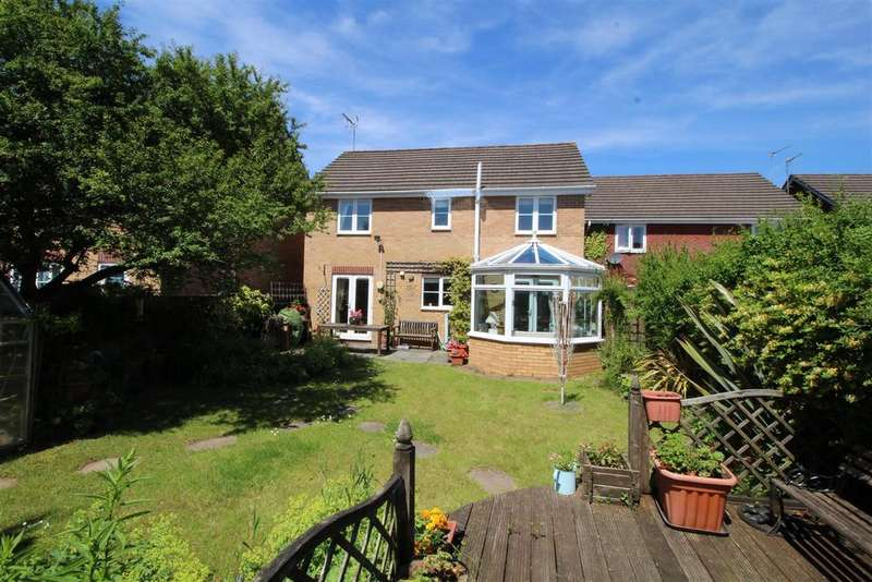 5 Bedrooms Detached House for sale in Oak Tree Drive, Rogerstone, Newport