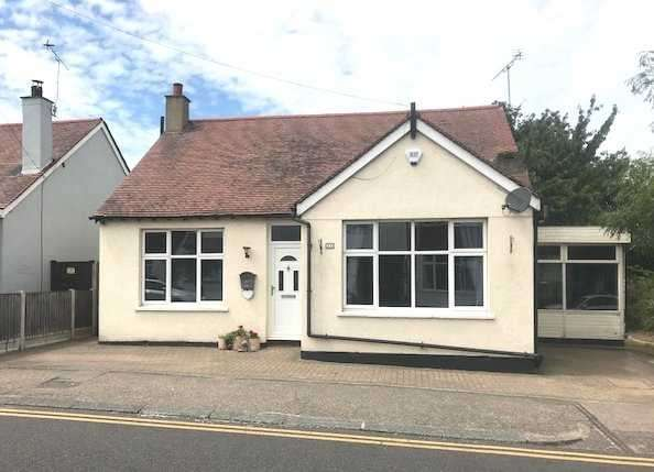 4 Bedrooms Detached House for sale in Nelson Road, Leigh on Sea