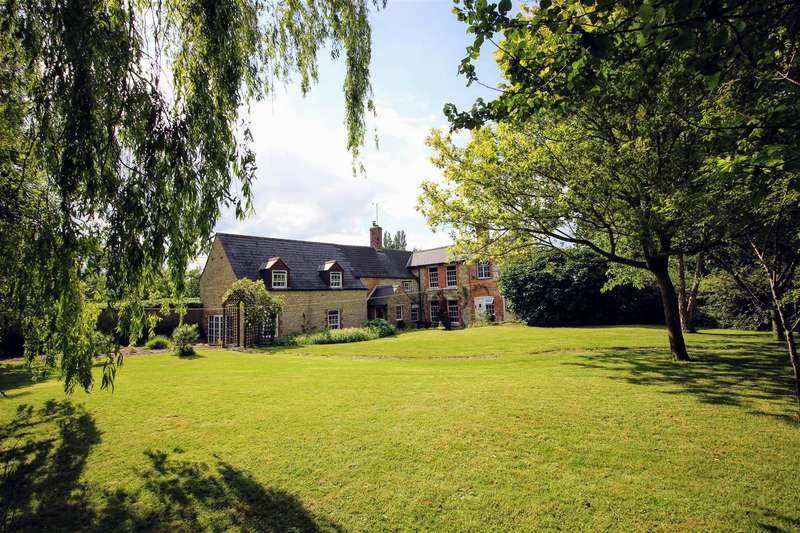 4 Bedrooms Detached House for sale in Back Lane, Lower Village, Blunsdon, Wiltshire, SN26