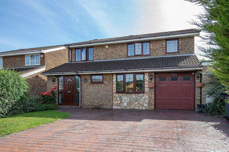 4 Bedrooms Detached House for sale in 4 double bedroom EXTENDED detached in Buckingham Drive...CALL NOW