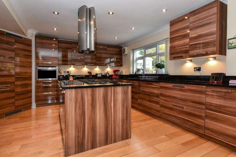 4 Bedrooms Detached House for sale in Langley, Berkshire, SL3