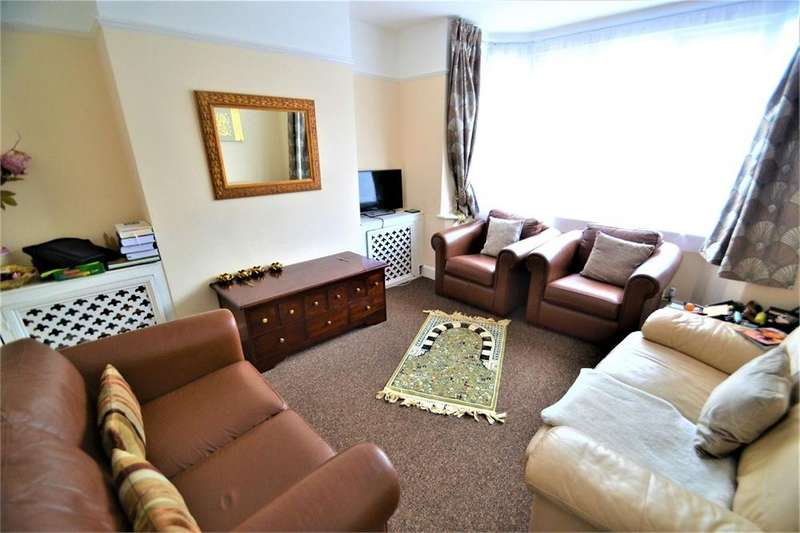 3 Bedrooms Semi Detached House for rent in St Michaels Crescent, Luton, Bedfordshire