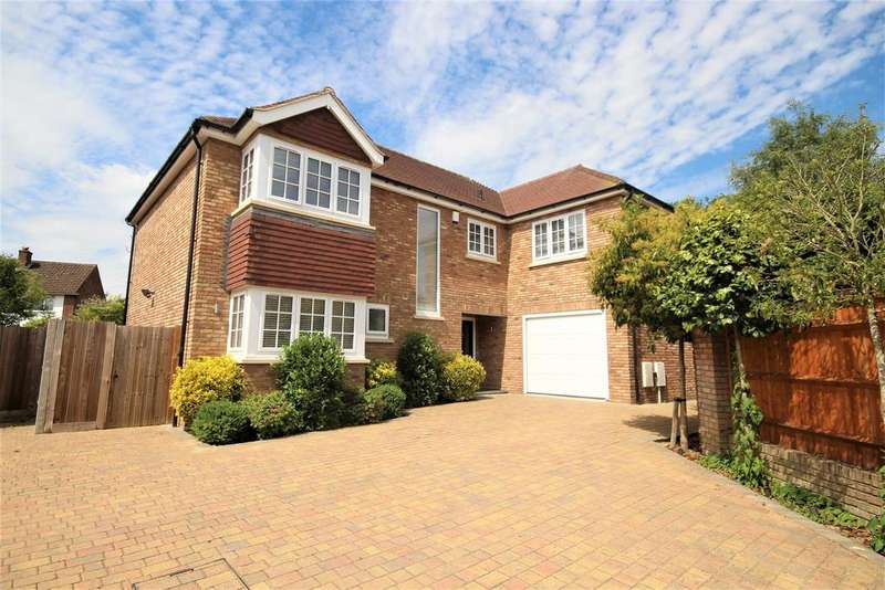 5 Bedrooms Detached House for sale in Park View Drive South, Charvil, Reading