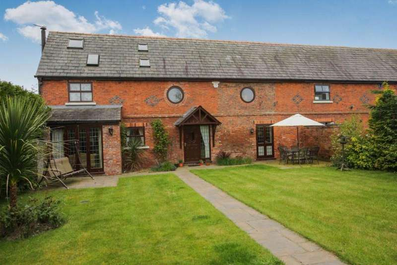 3 Bedrooms House for sale in Walnut Tree Lane, Bradwall, Sandbach, Cheshire, CW11
