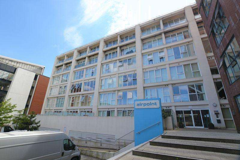 1 Bedroom Apartment Flat for sale in Airpoint, Skypark Road, Bristol