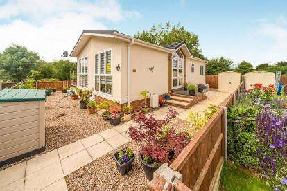 2 Bedrooms Retirement Property for sale in Folly Park, Clapham, Bedford, Bedfordshire