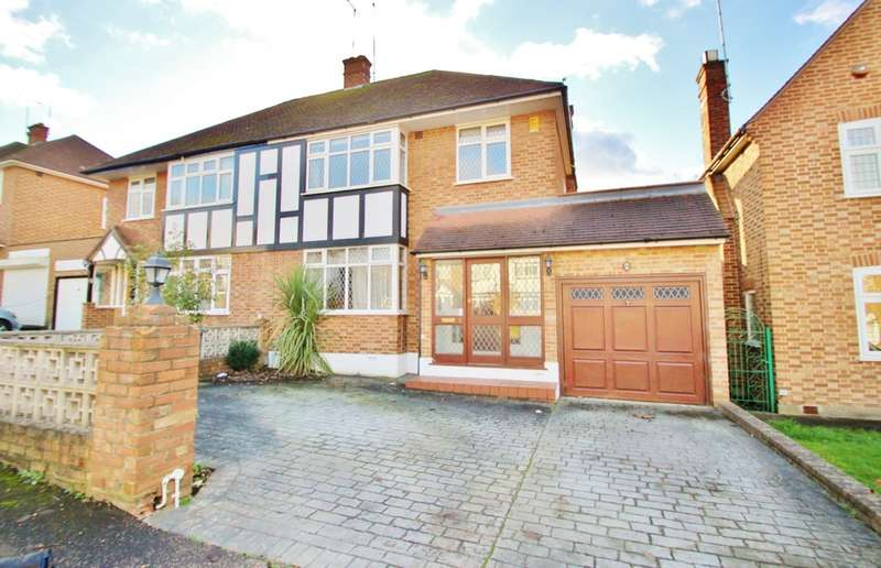 3 Bedrooms Semi Detached House for rent in Chigwell Park Drive, CHIGWELL