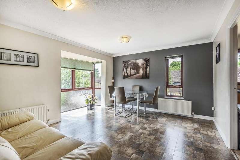 3 Bedrooms Maisonette Flat for sale in Herondale, Bracknell, Berkshire, RG12