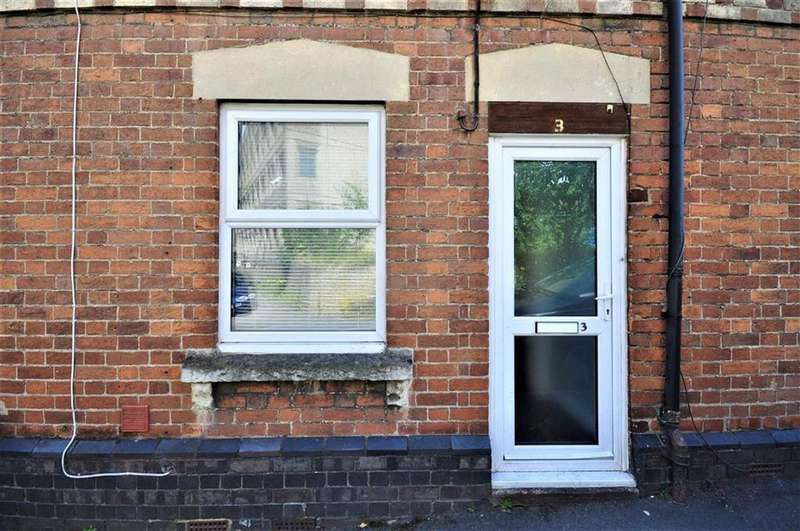 3 Bedrooms Terraced House for sale in Bridge Street, Cainscross