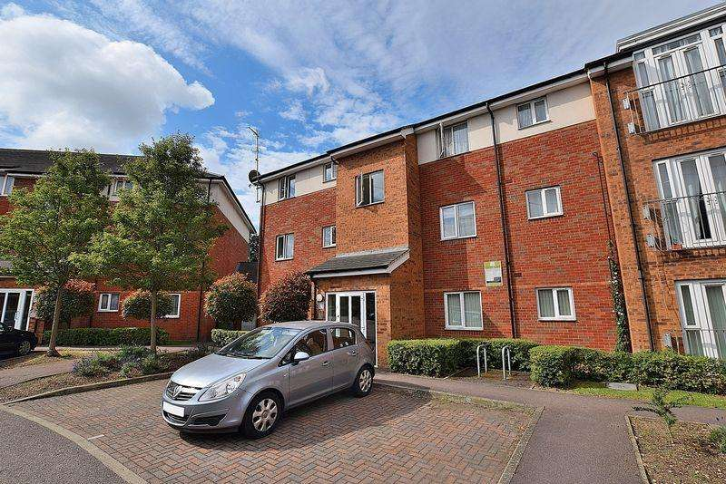 2 Bedrooms Flat for sale in Two DOUBLE bedrooms, EN SUITE to master, ALLOCATED PARKING...
