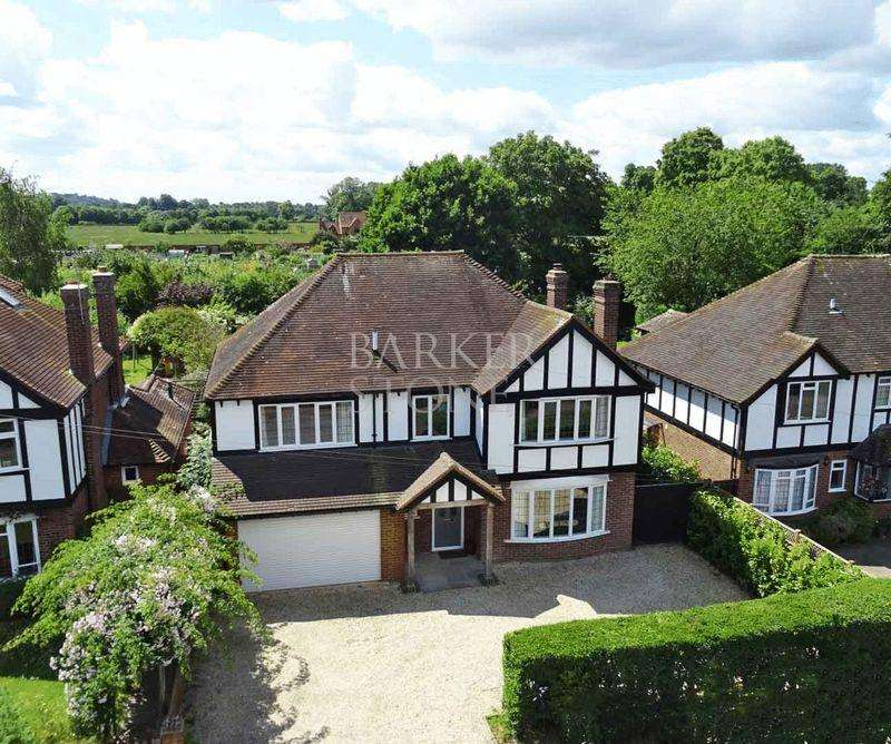 5 Bedrooms Detached House for sale in Spectacular Sutton, right on the Button