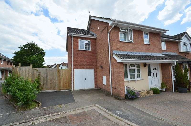 4 Bedrooms Property for sale in The Glebe, Wrington