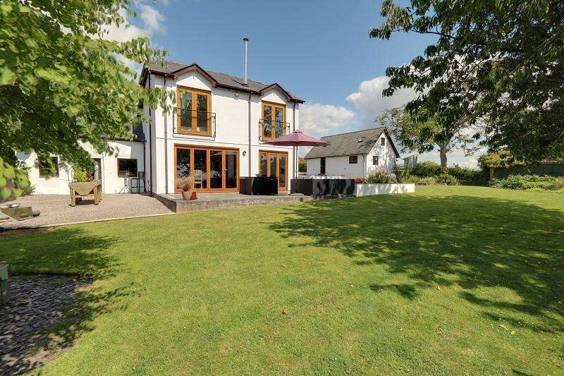 4 Bedrooms Detached House for sale in Driffield Road, Lydney, Gloucestershire. GL15 4LJ