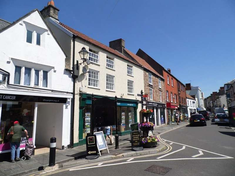 2 Bedrooms Apartment Flat for rent in High Street, Wells
