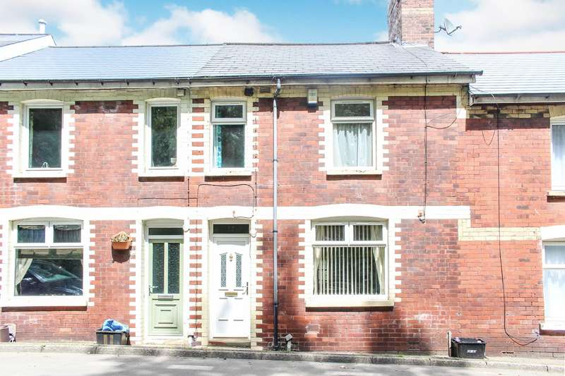 4 Bedrooms Terraced House for sale in Cleaves Terrace , Abersychan, Pontypool, NP4