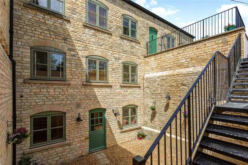 3 Bedrooms Semi Detached House for sale in The Old Brewery, West End, Northleach, Gloucestershire, GL54