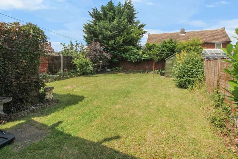 3 Bedrooms Semi Detached House for sale in Stirling Road, Shortstown, Bedford, MK42