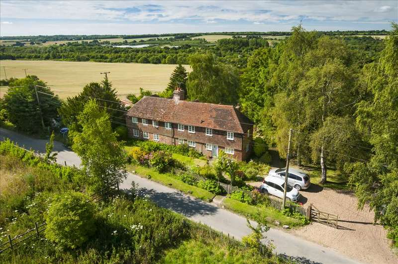5 Bedrooms Detached House for sale in Greenhills, Greenway Forstal, Hollingbourne