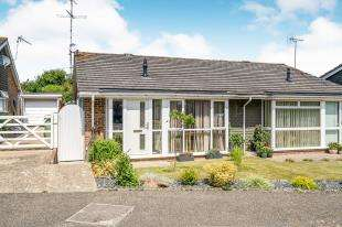 2 Bedrooms Bungalow for sale in Penlands Vale, Steyning, West Sussex