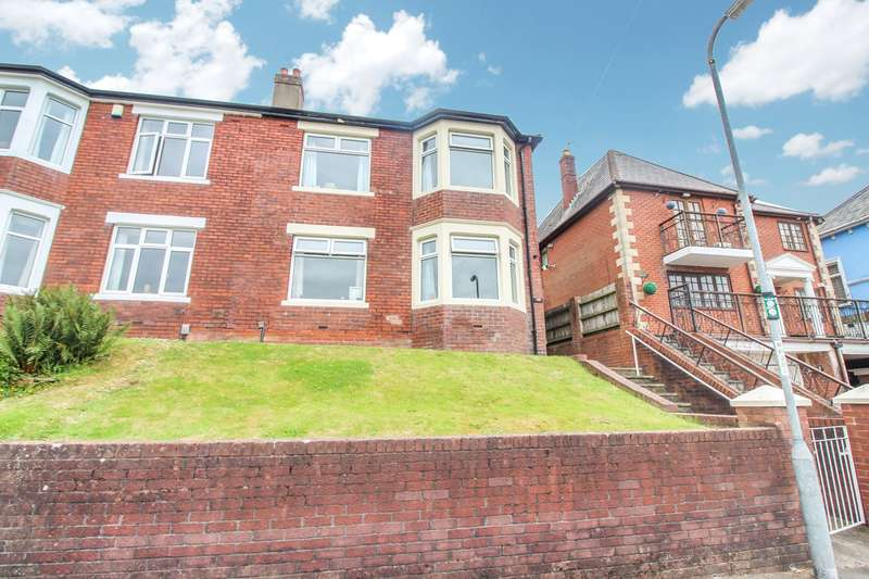 3 Bedrooms Semi Detached House for sale in Eveswell Park Road, Newport, NP19