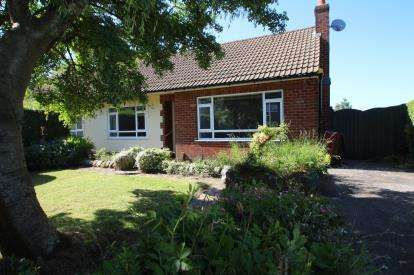 2 Bedrooms Bungalow for sale in Brothers Street, Blackburn, Lancashire, BB2