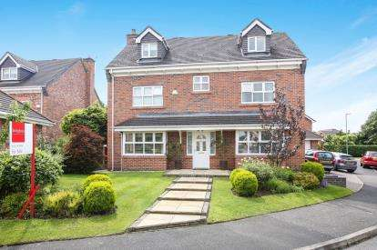 5 Bedrooms Detached House for sale in Redshank Drive, Tytherington, Macclesfield, Cheshire