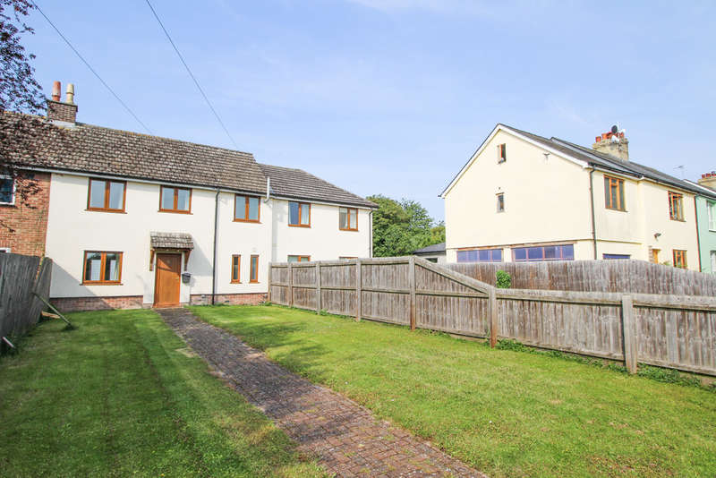 3 Bedrooms Terraced House for sale in Swaffham Road, Reach