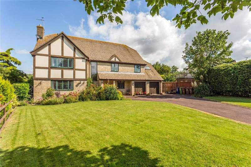 5 Bedrooms Detached House for sale in Walnut Court, Walnut Bank Drive, Tewkesbury, Gloucestershire, GL20