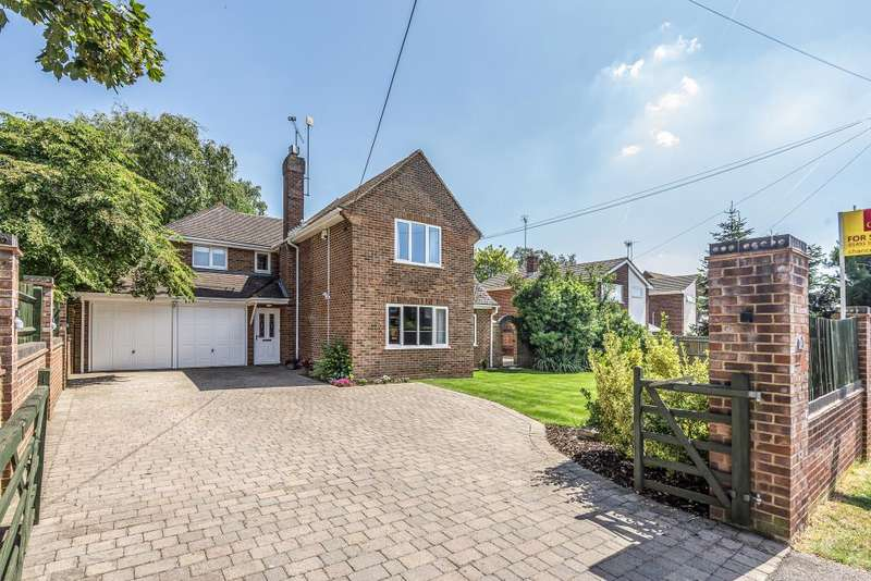 4 Bedrooms Detached House for sale in Sonning Common, 200 metres to local amenities and 0.3m to Woodland, RG4