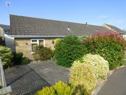 2 Bedrooms Bungalow for sale in South Petherton, Somerset, Uk