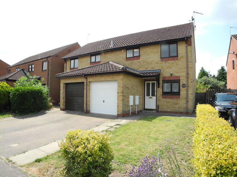 3 Bedrooms Semi Detached House for sale in Pilgrims Way, Bungay