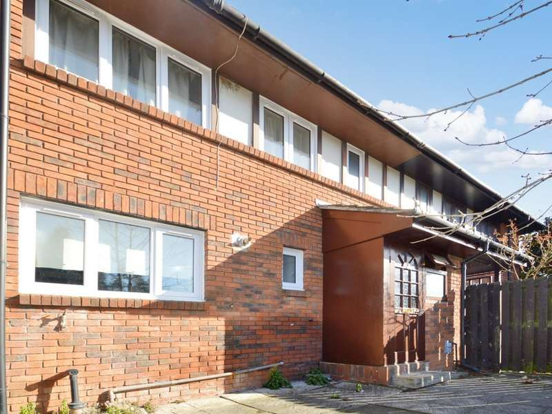 4 Bedrooms Semi Detached House for sale in Pennyroyal Avenue, Beckton E6