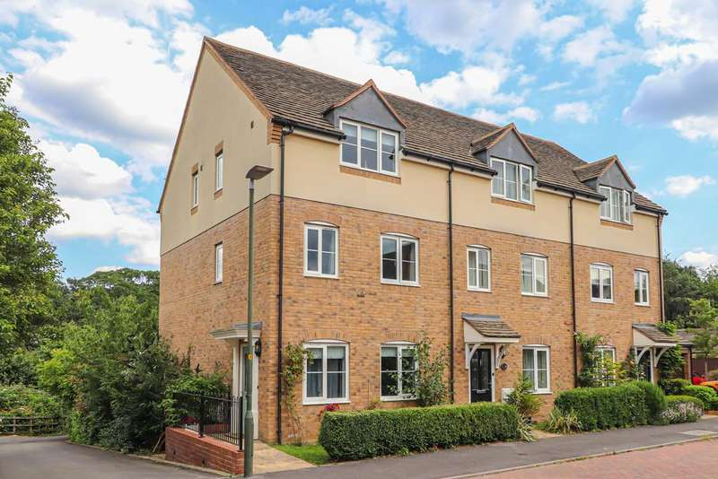 4 Bedrooms Town House for sale in Wyndham Way, Winchcombe