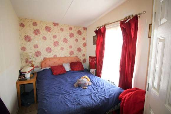 1 Bedroom Property for sale in East Pontoon, Wyton, Huntingdon