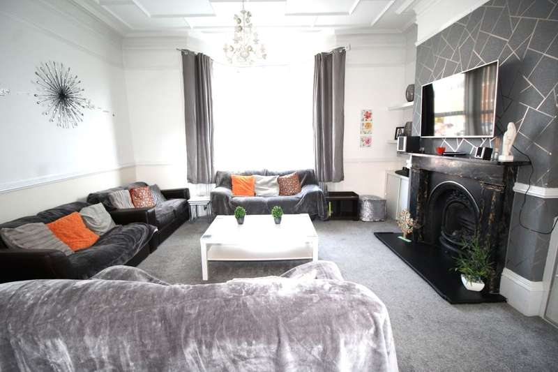 4 Bedrooms Terraced House for sale in Park Road, Jarrow, NE32