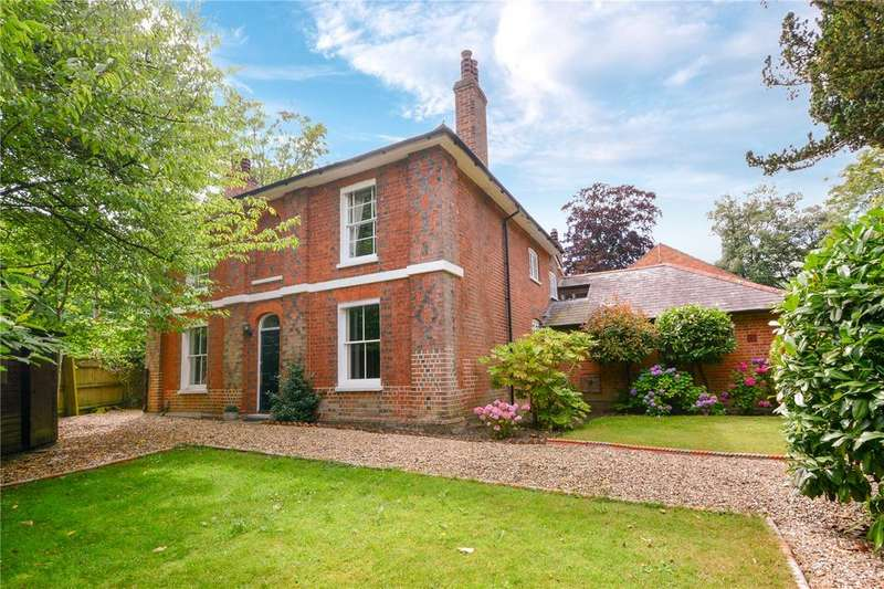5 Bedrooms Detached House for sale in Popeswood Road, Binfield, Berkshire, RG42