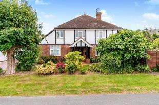 4 Bedrooms Detached House for sale in Crossbush Road, Felpham