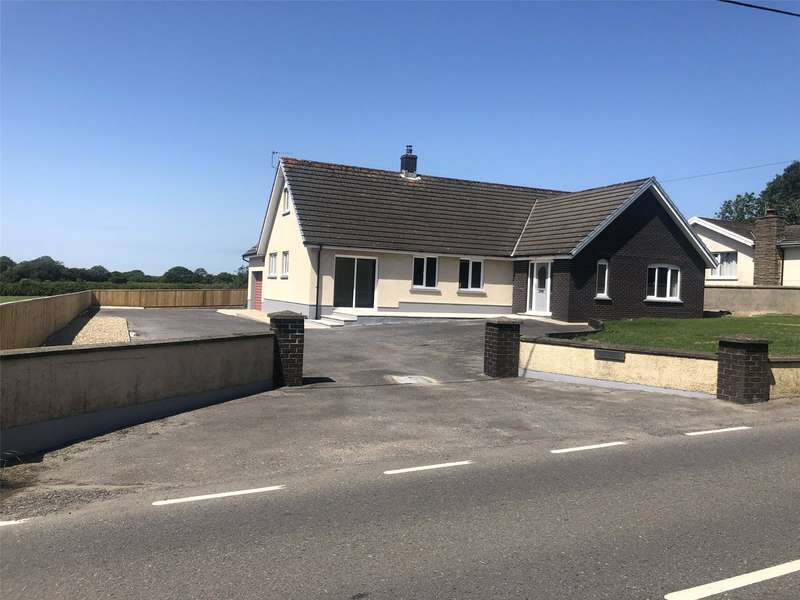 4 Bedrooms Detached Bungalow for sale in Cross Winds, Llandissilio, Clynderwen, Pembrokeshire