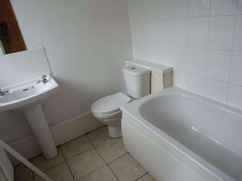 6 Bedrooms House for rent in Minny Street ( 6 Beds )