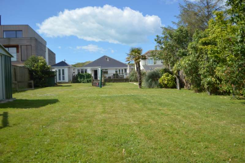 4 Bedrooms Detached House for sale in Old Lydd Road, Camber, Rye, East Sussex, TN31
