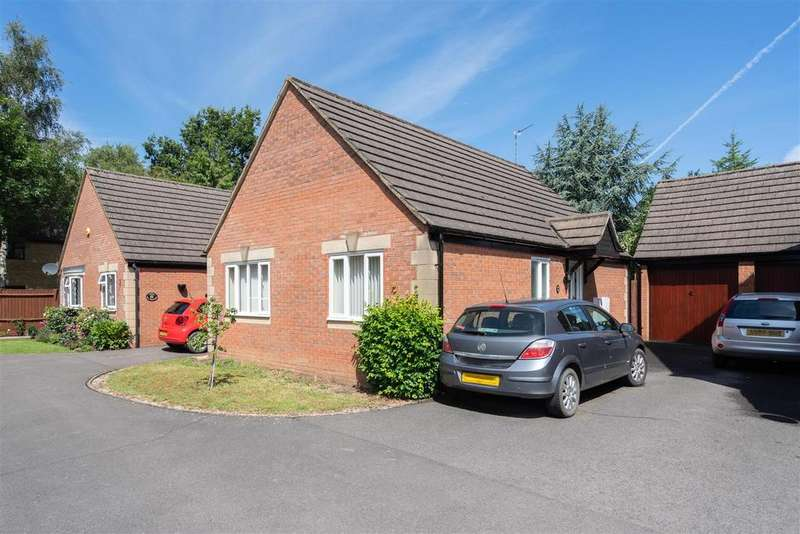 2 Bedrooms Detached Bungalow for sale in Cotswold Gardens, Moreton in Marsh, Gloucestershire