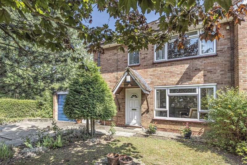 3 Bedrooms Semi Detached House for sale in Woodcote, Bedford
