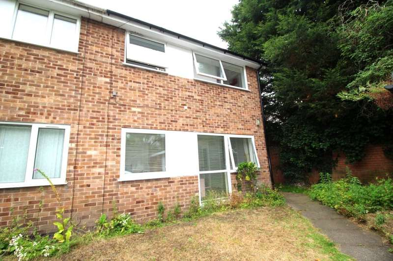 3 Bedrooms Semi Detached House for sale in Weston Avenue, Nottingham, NG7