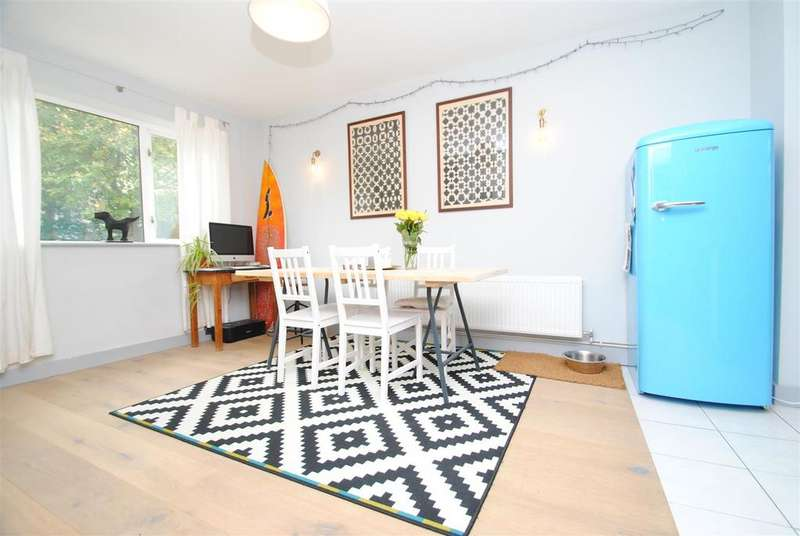 3 Bedrooms Terraced House for sale in St. Michaels Road, Cirencester