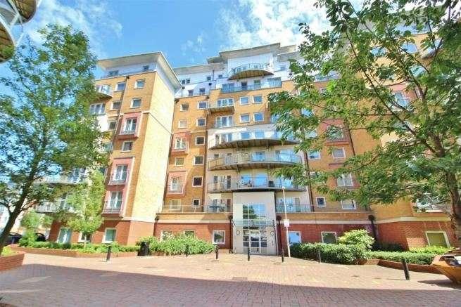 2 Bedrooms Apartment Flat for sale in Winterthur Way, Basingstoke, Hampshire, RG21 7UE